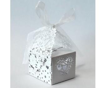 Kinkekarp laserlõikega, 45x55x75 mm, 20 tk - lilled ja süda, valge