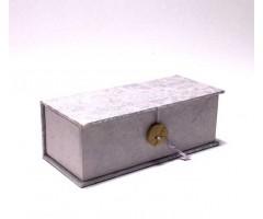 Karp Nepaali paberiga, nööbiga - 6,5x15,5x4,5 cm - Lootos helelilla
