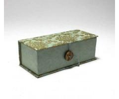 Karp Nepaali paberiga, nööbiga - 6,5x15,5x4,5 cm - Lootos helesinisel