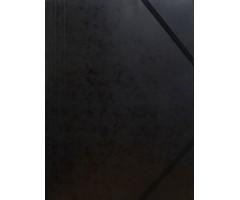Kartongist mapp A4, nurgakummiga - must